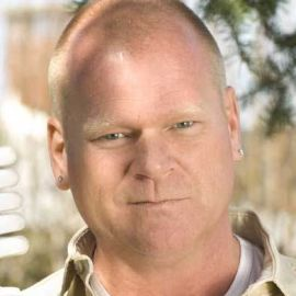 Mike Holmes Headshot