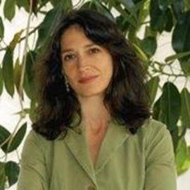 Amy Wilentz Headshot