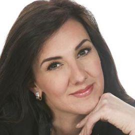 Christine Cashen Headshot