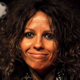 Linda Perry Headshot