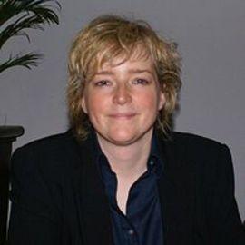 Karin Slaughter Headshot