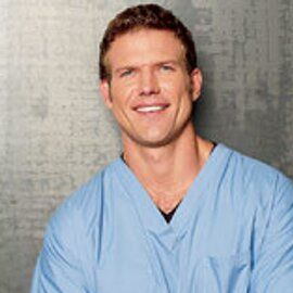 Dr. Travis Stork Headshot