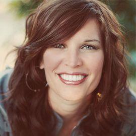 Jen Hatmaker Headshot
