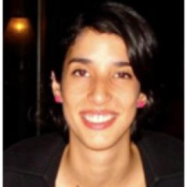 Andrea San Gil Headshot