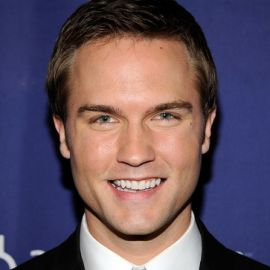 Scott Porter Headshot