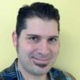 Vince Maniago Headshot