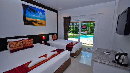 Phuket Airport Hotel Bangkok Suprior triple Phuket Airport Hotel
