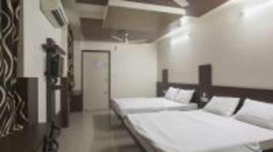 Hotel Ruby  Jaipur Royal Deluxe 4 Beded Room 2 room
